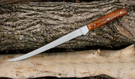 sharpen-fillet-knife-with-stone